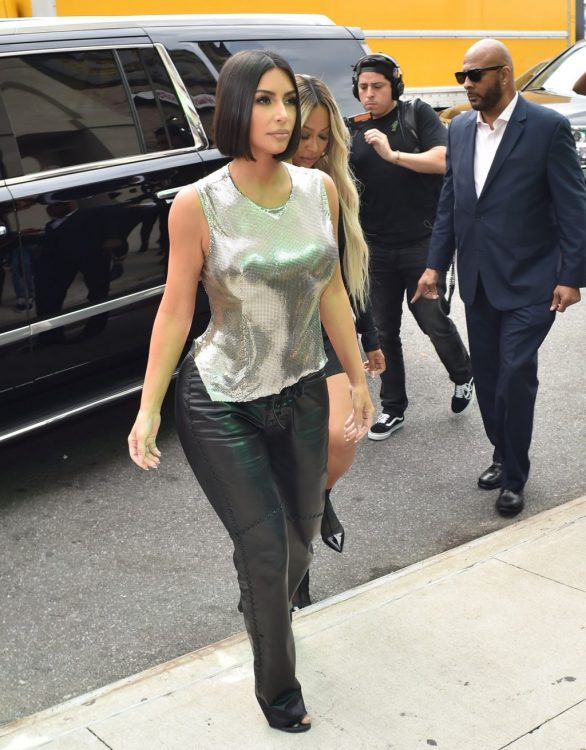 Uncategorized 2019 : Kim Kardashian arrives at a fashion show in New York during New York Fashion Week 2019-51