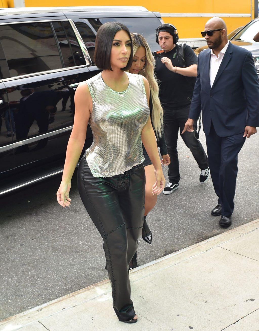 Uncategorized 2019 : Kim Kardashian arrives at a fashion show in New York during New York Fashion Week 2019-51