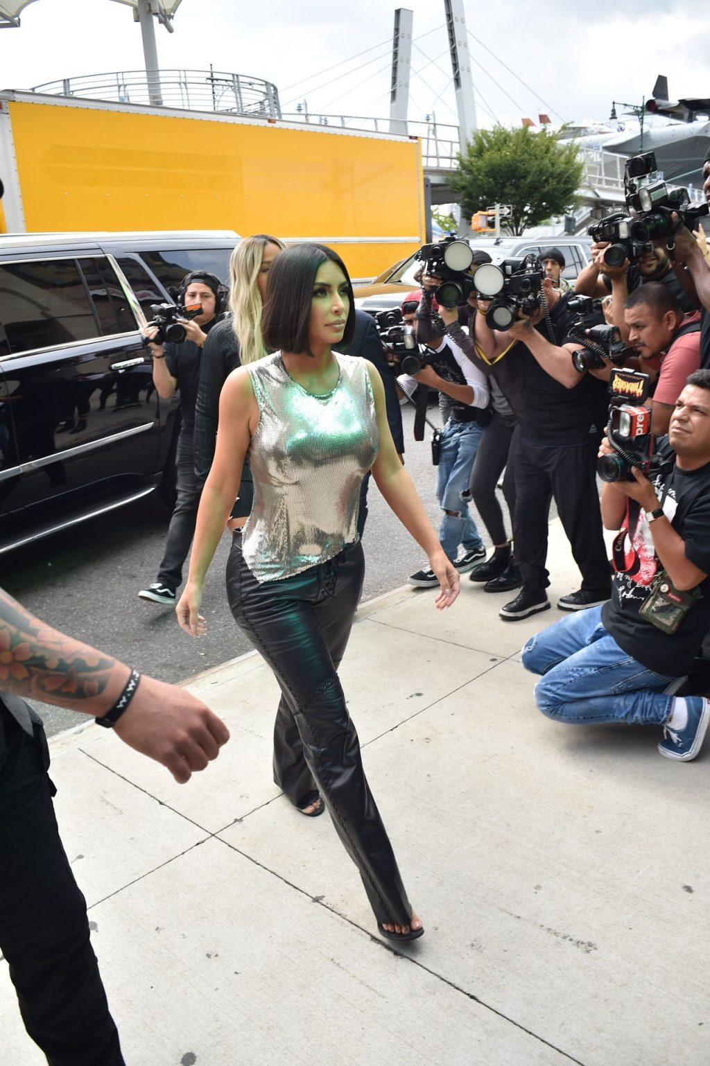 Uncategorized 2019 : Kim Kardashian arrives at a fashion show in New York during New York Fashion Week 2019-54