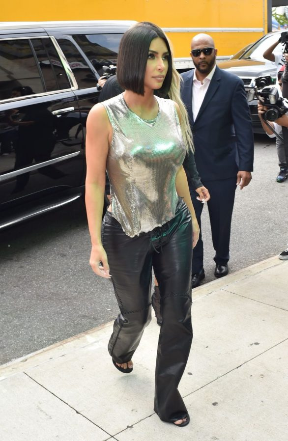 Uncategorized 2019 : Kim Kardashian arrives at a fashion show in New York during New York Fashion Week 2019-56