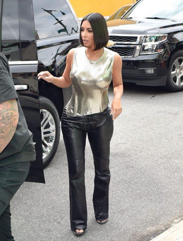 Uncategorized 2019 : Kim Kardashian arrives at a fashion show in New York during New York Fashion Week 2019-57