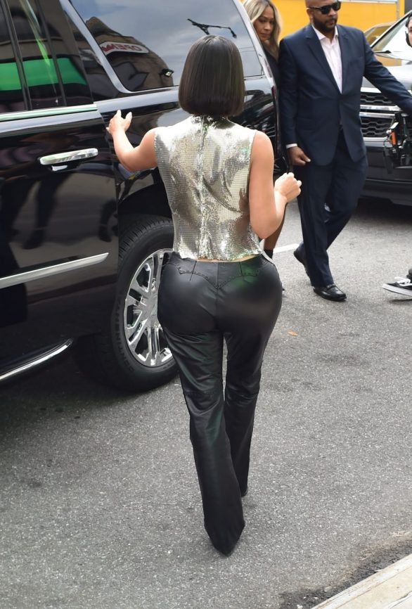 Uncategorized 2019 : Kim Kardashian arrives at a fashion show in New York during New York Fashion Week 2019-77