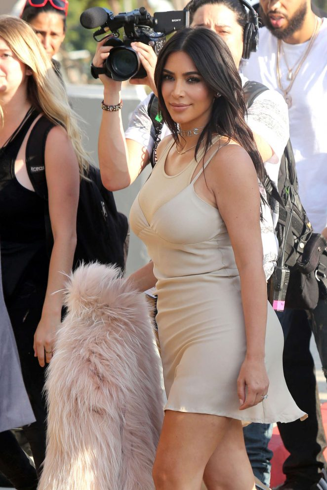 Kim Kardashian - Arrives at Kanye West Concert in Los Angeles