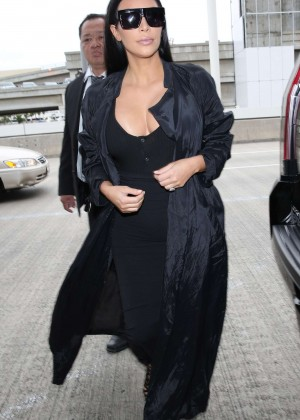 Kim Kardashian: Arrives at Los Angeles International Airport -09