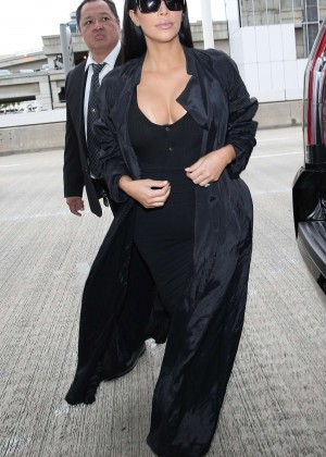 Kim Kardashian: Arrives at Los Angeles International Airport -10