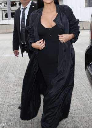 Kim Kardashian: Arrives at Los Angeles International Airport -17