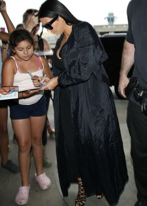 Kim Kardashian: Arrives at Los Angeles International Airport -22