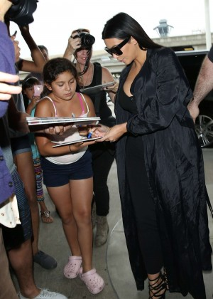 Kim Kardashian: Arrives at Los Angeles International Airport -27
