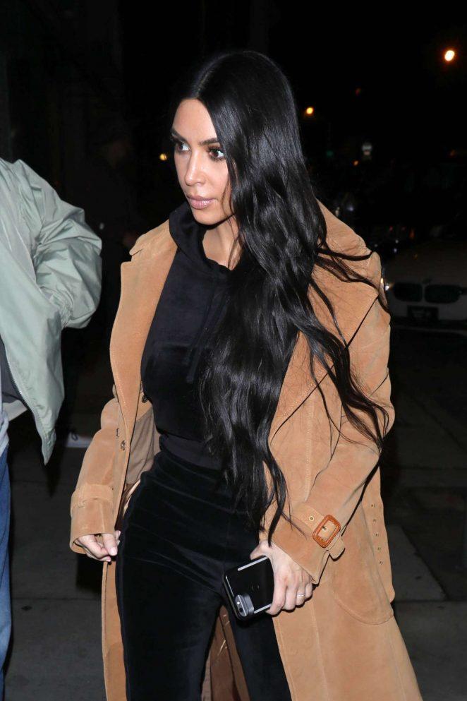 Kim Kardashian – Arrives for dinner at Craig's Restaurant in West Hollywood