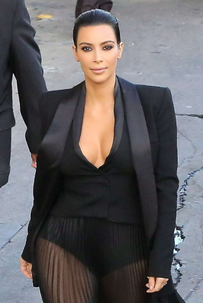 Kim Kardashian – Arriving at 'Jimmy Kimmel Live!' in Hollywood