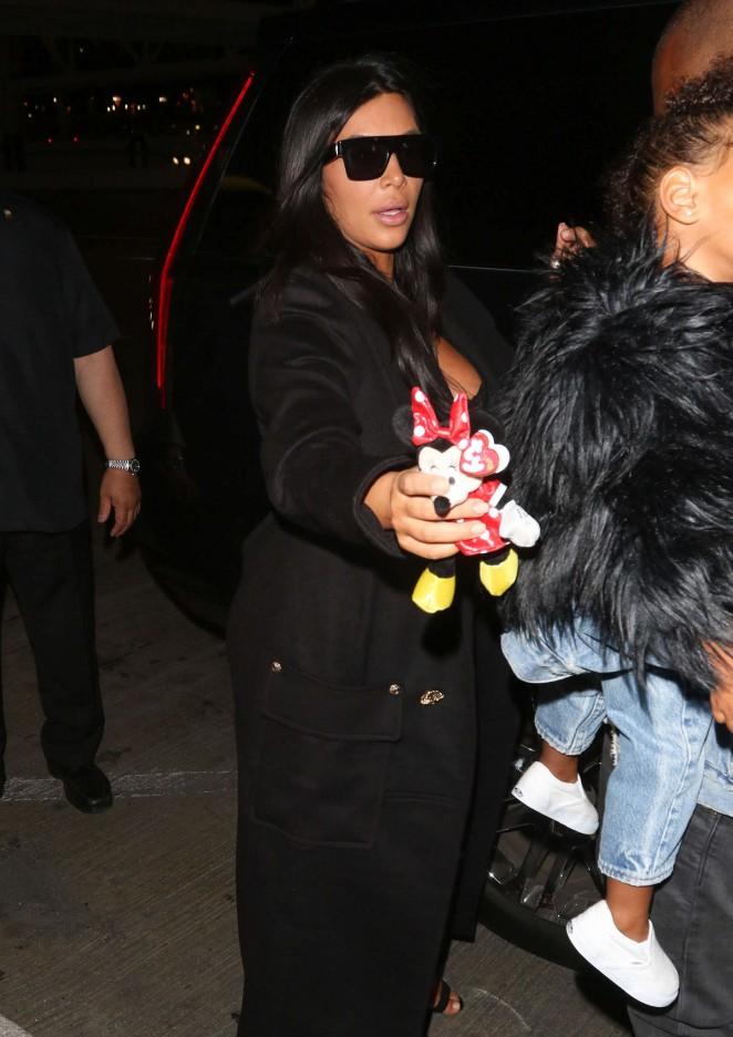 Kim Kardashian – Arriving at LAX Aiport in LA