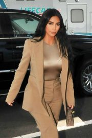 Kim Kardashian - Arriving at the White House in Washington