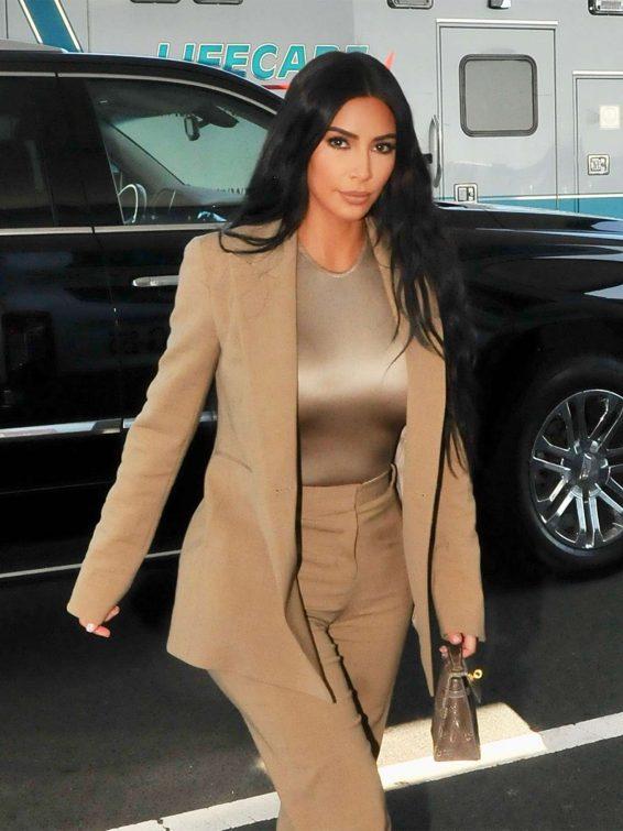 Kim Kardashian - Arriving at the White House in Washington
