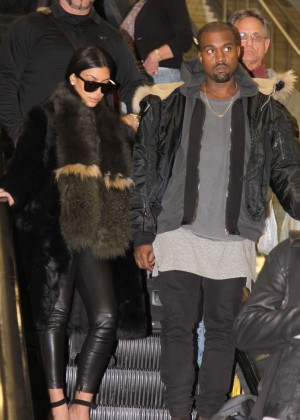 Kim Kardashian - Arriving at Washington Dulles International Airport