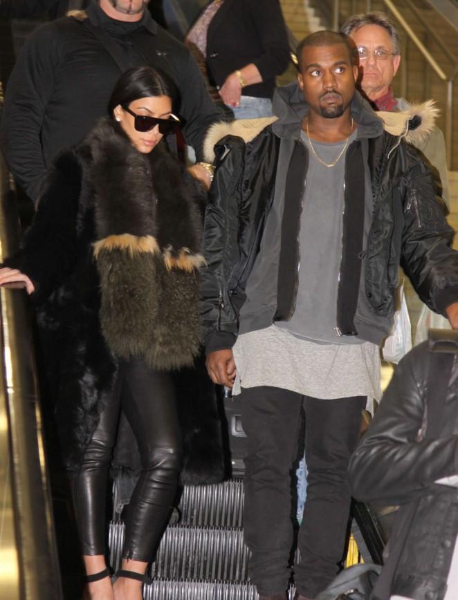 Kim Kardashian - Arriving at Washington Dulles International Airport