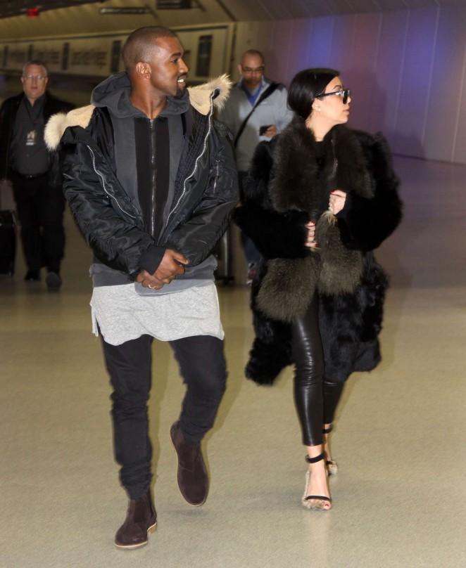 Kim Kardashian at Washington Dulles International Airport -17