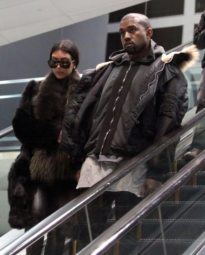 Kim Kardashian at Washington Dulles International Airport -19