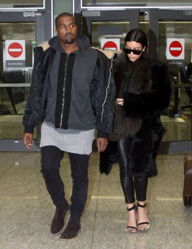 Kim Kardashian at Washington Dulles International Airport -20