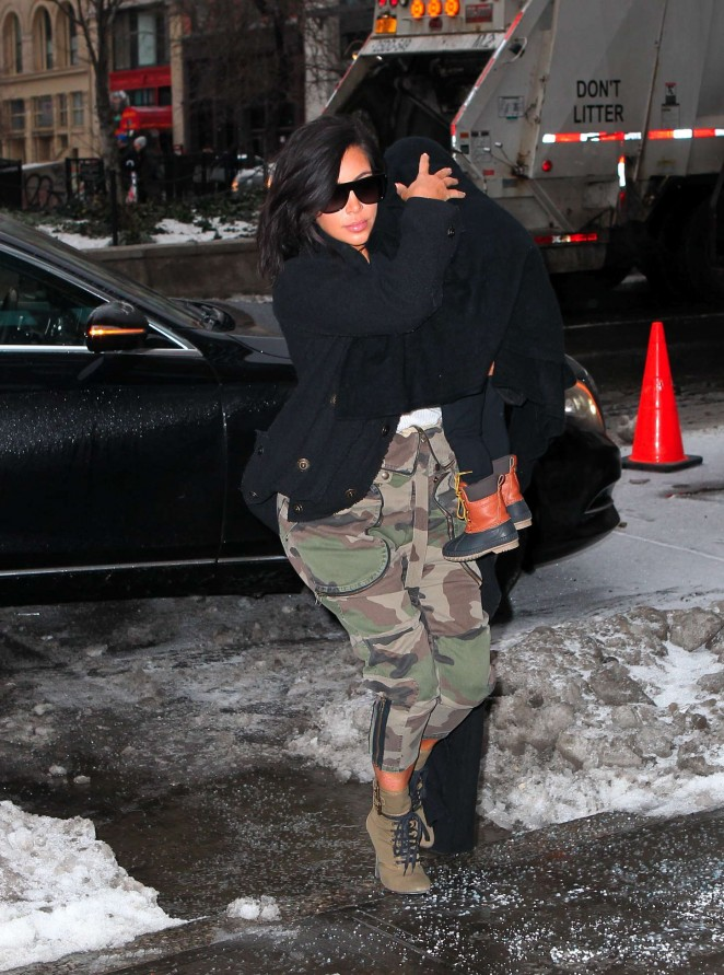Kim Kardashian - Arriving in New York City