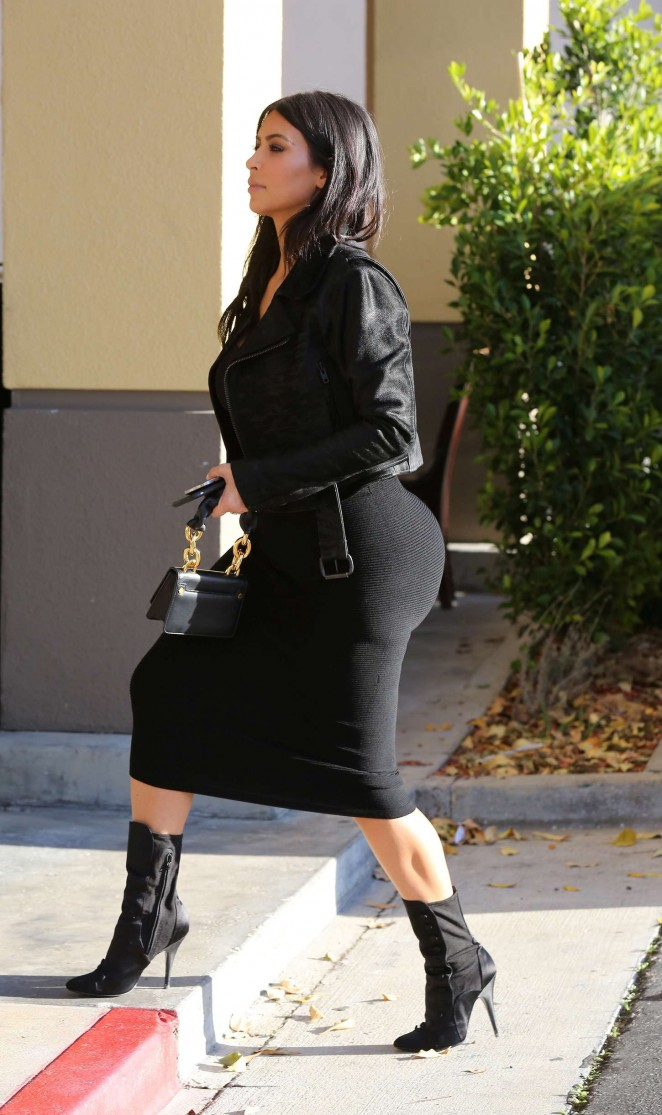 Kim Kardashian in Black Tight Skirt -03