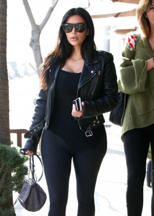 Kim Kardashian in Leggings at Il Pastaio Restuarant in Beverly Hills