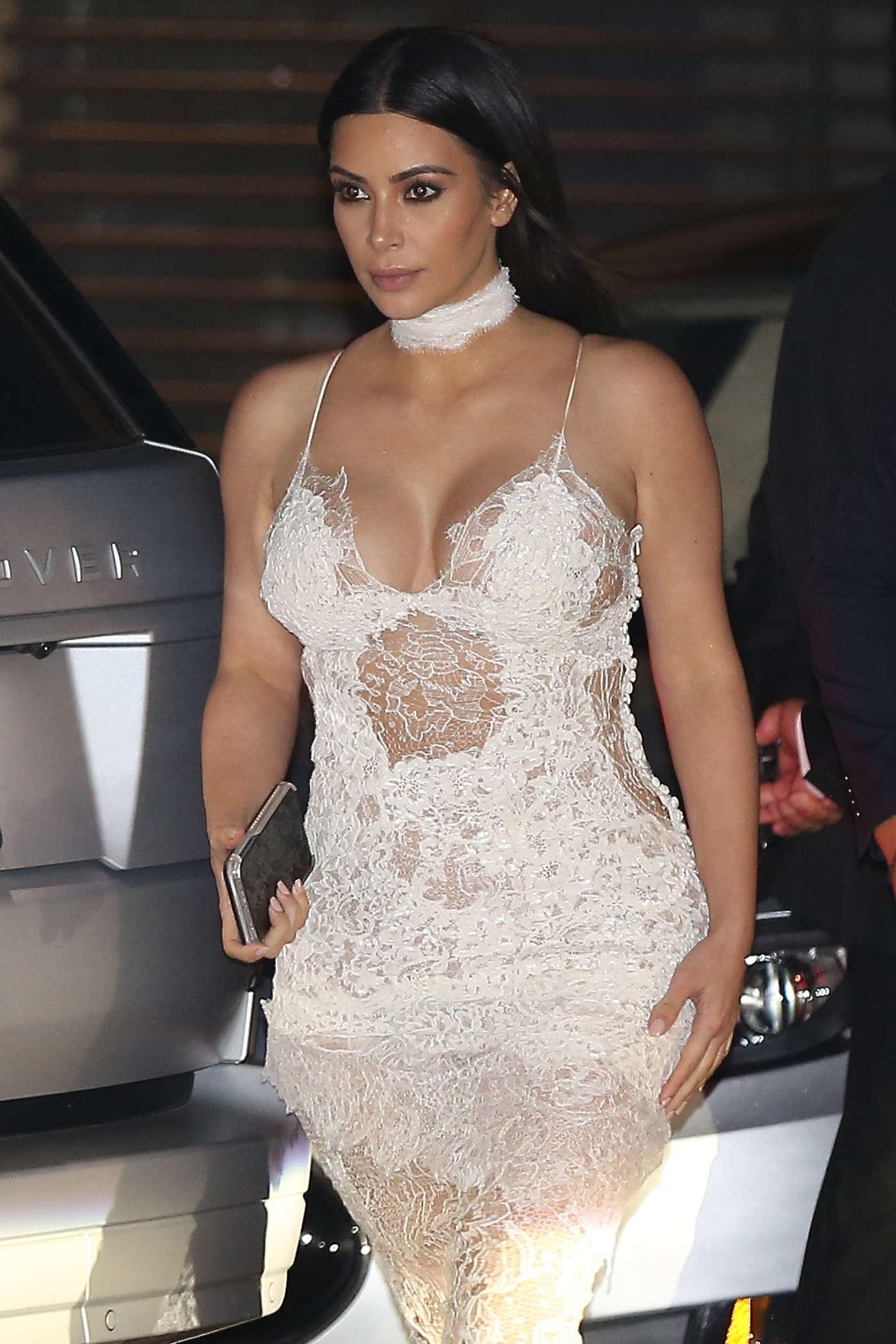 Kim Kardashian At Nobu In Malibu 12 Gotceleb