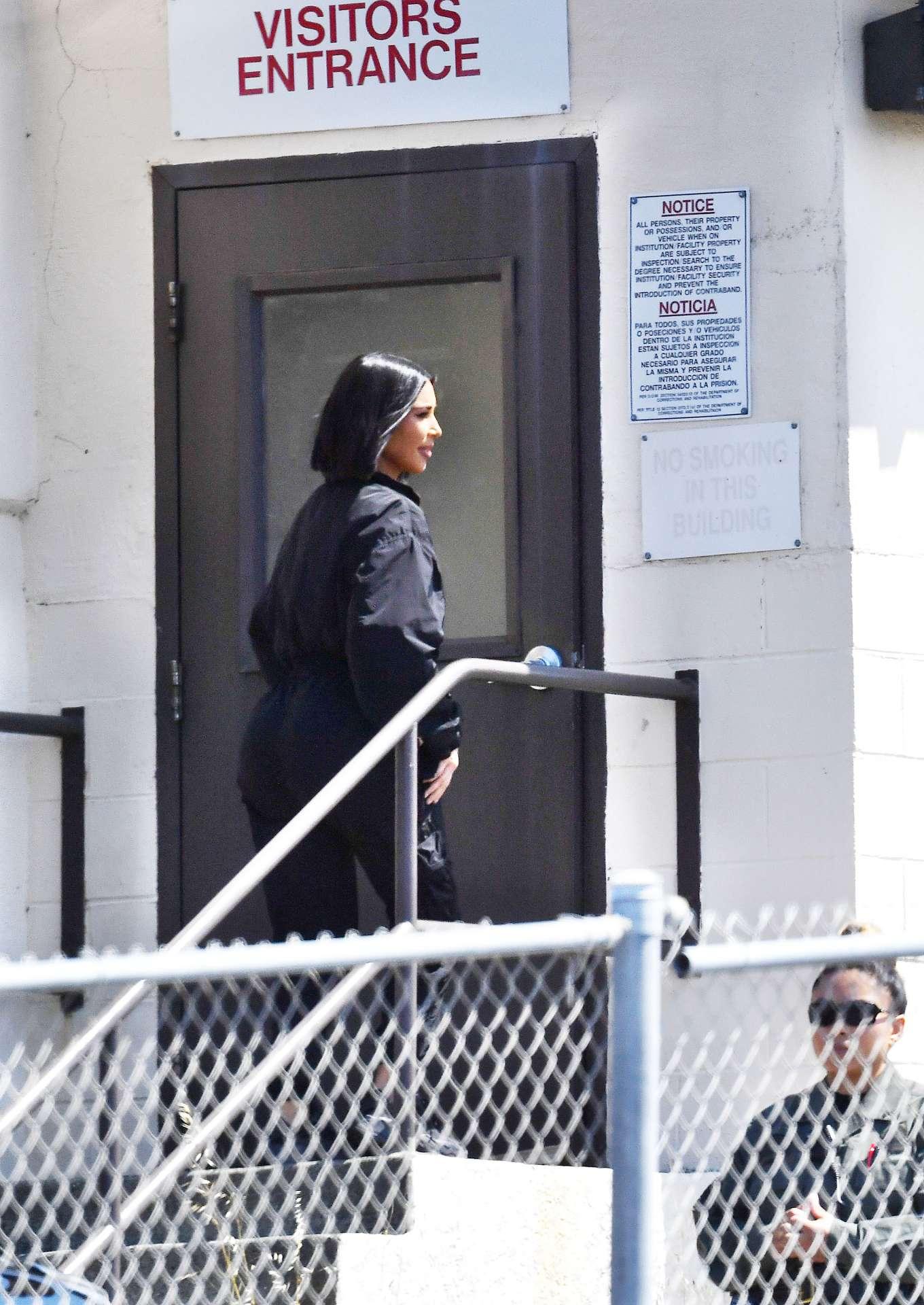 Kim Kardashian 2019 : Kim Kardashian at San Quentin State Prison-01