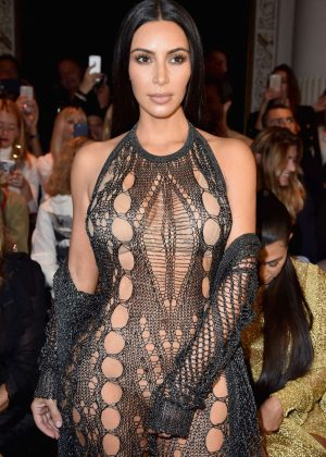 Kim Kardashian - Balmain Fashion Show SS17 in Paris