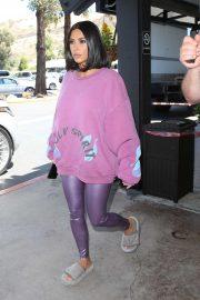 Kim Kardashian - Dines at Plata Taqueria & Cantina in Agoura Hills