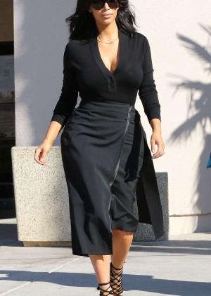 Kim Kardashian - Filming in Westlake Village