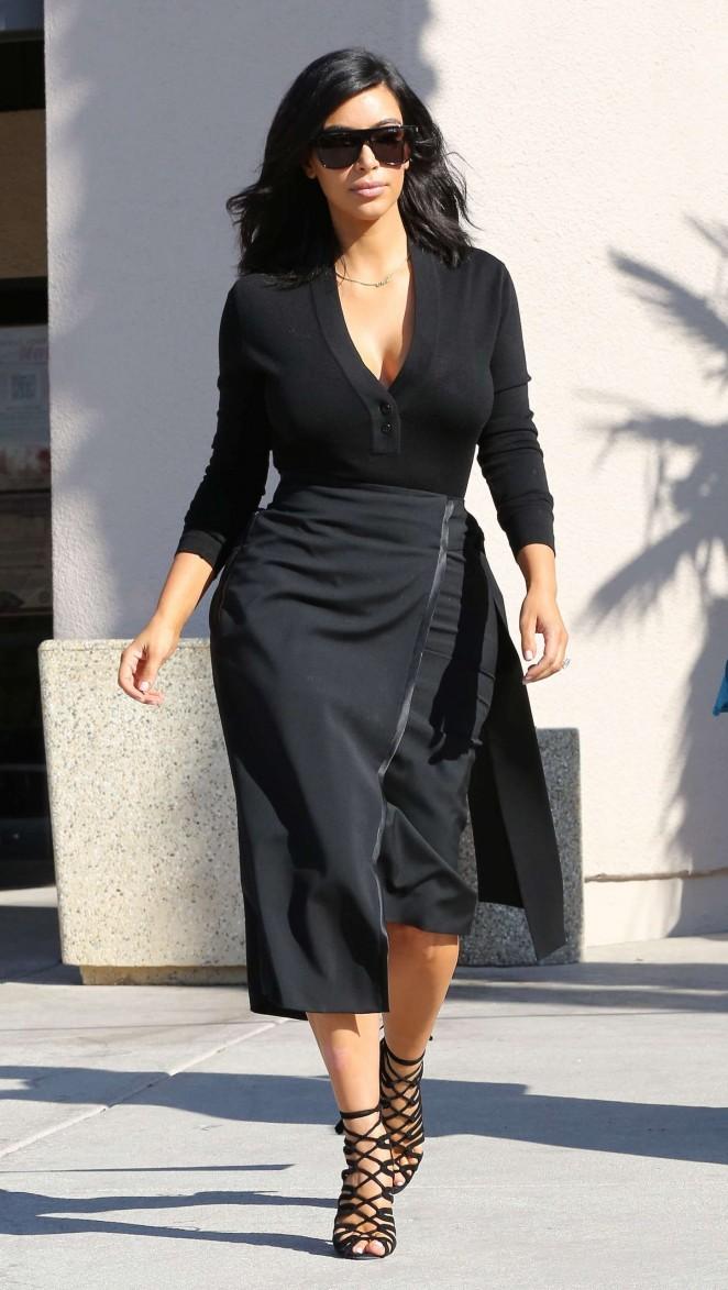 Kim Kardashian – Filming in Westlake Village