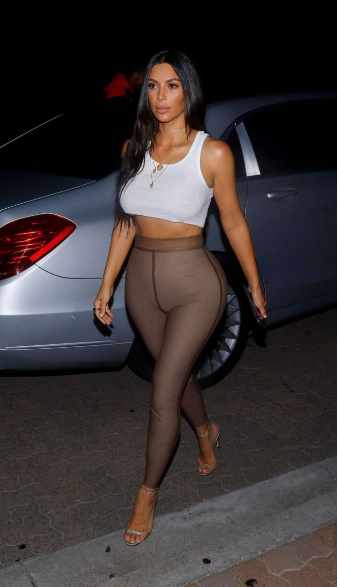 Kim Kardashian Going Out For Movies In Sherman Oaks