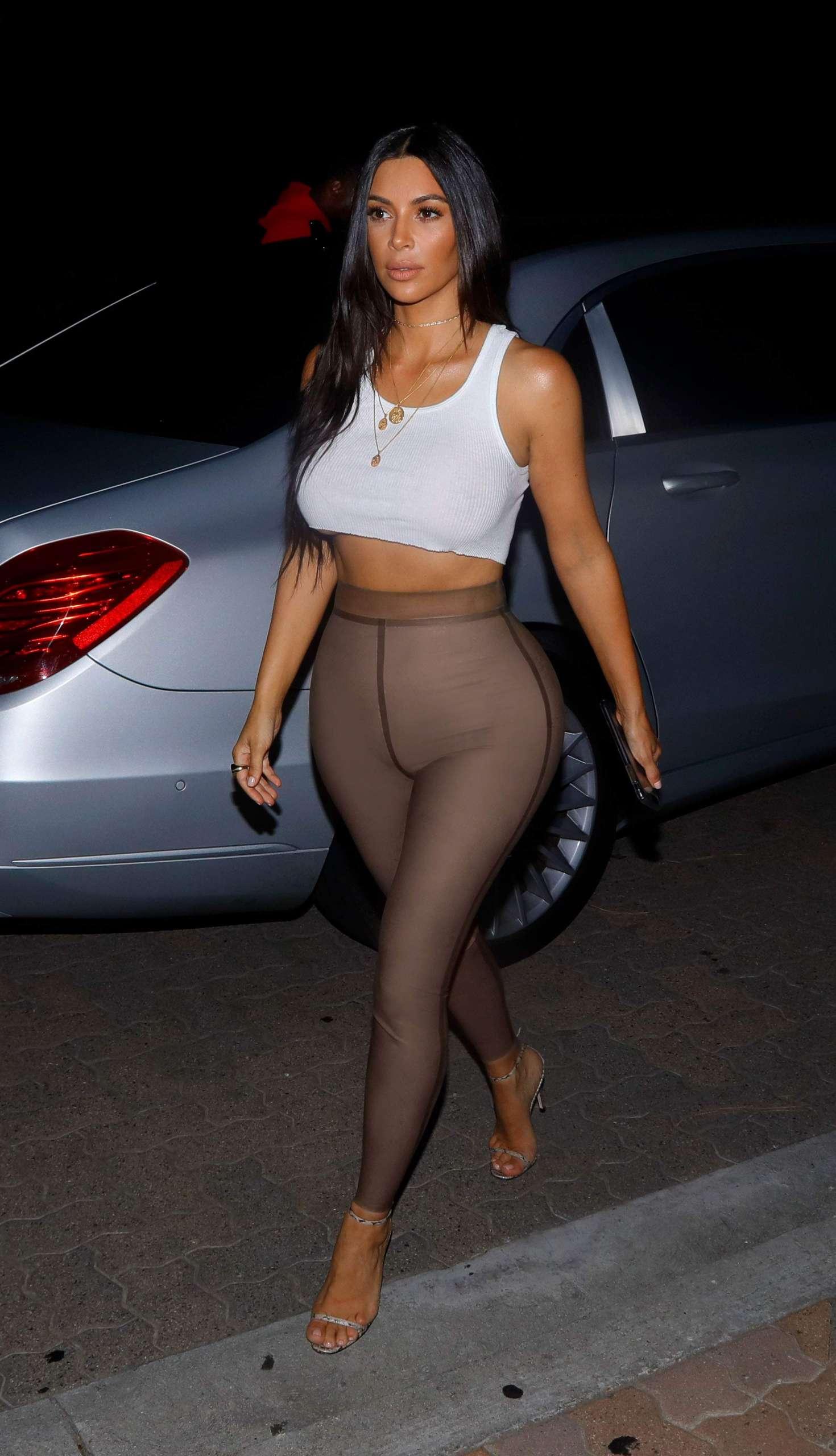 Kim Kardashian – Going out for movies in Sherman Oaks