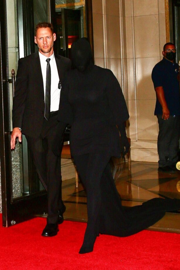 Kim Kardashian - In all black from head to toe at The Ritz-Carlton hotel in New York