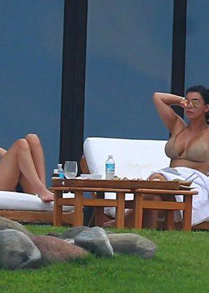 Kim Kardashian in Bikini -04
