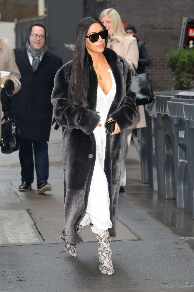 1843b5e4c20b Kim Kardashian in Black Fur Coat -11 – GotCeleb