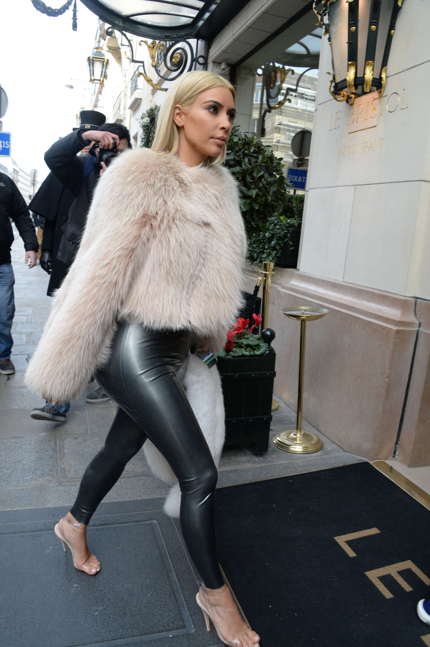 Watch The 9 Gigi Hadid Outfits Everyone Can Afford video