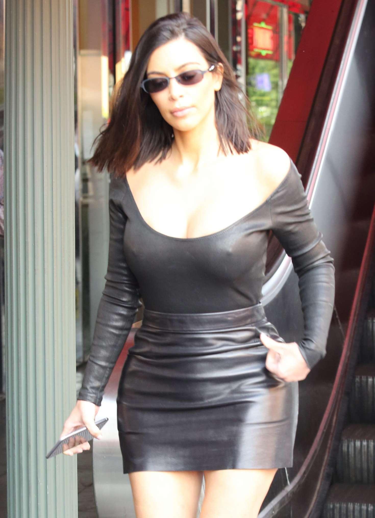 Kim Kardashian In Leather Skirt 14 Gotceleb