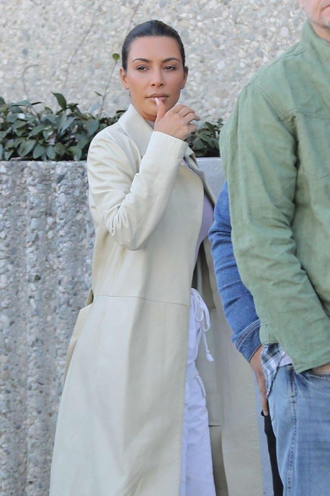 Kim Kardashian in Long Coat - Out in Calabasas
