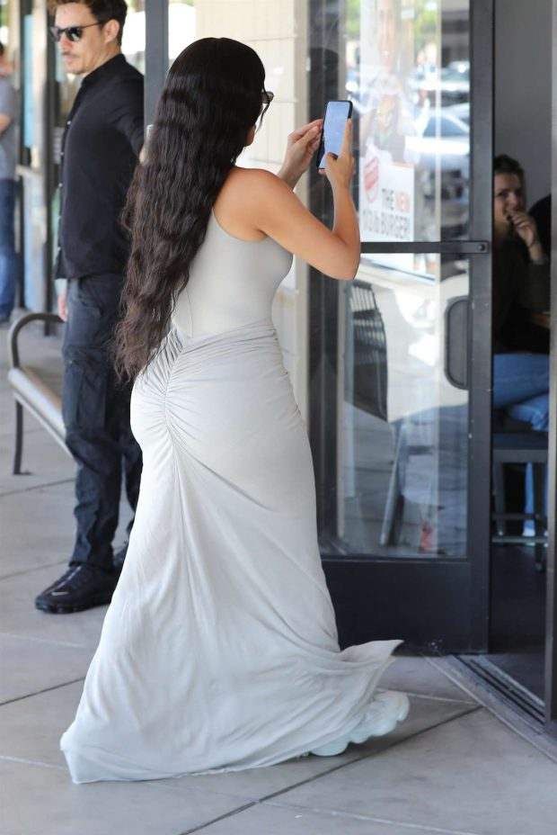 Kim Kardashian in Long Skirt -03