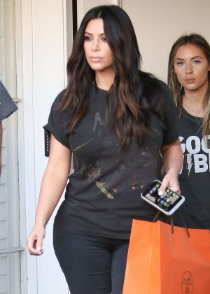 Kim Kardashian in Ripped Jeans out in Beverly Hills