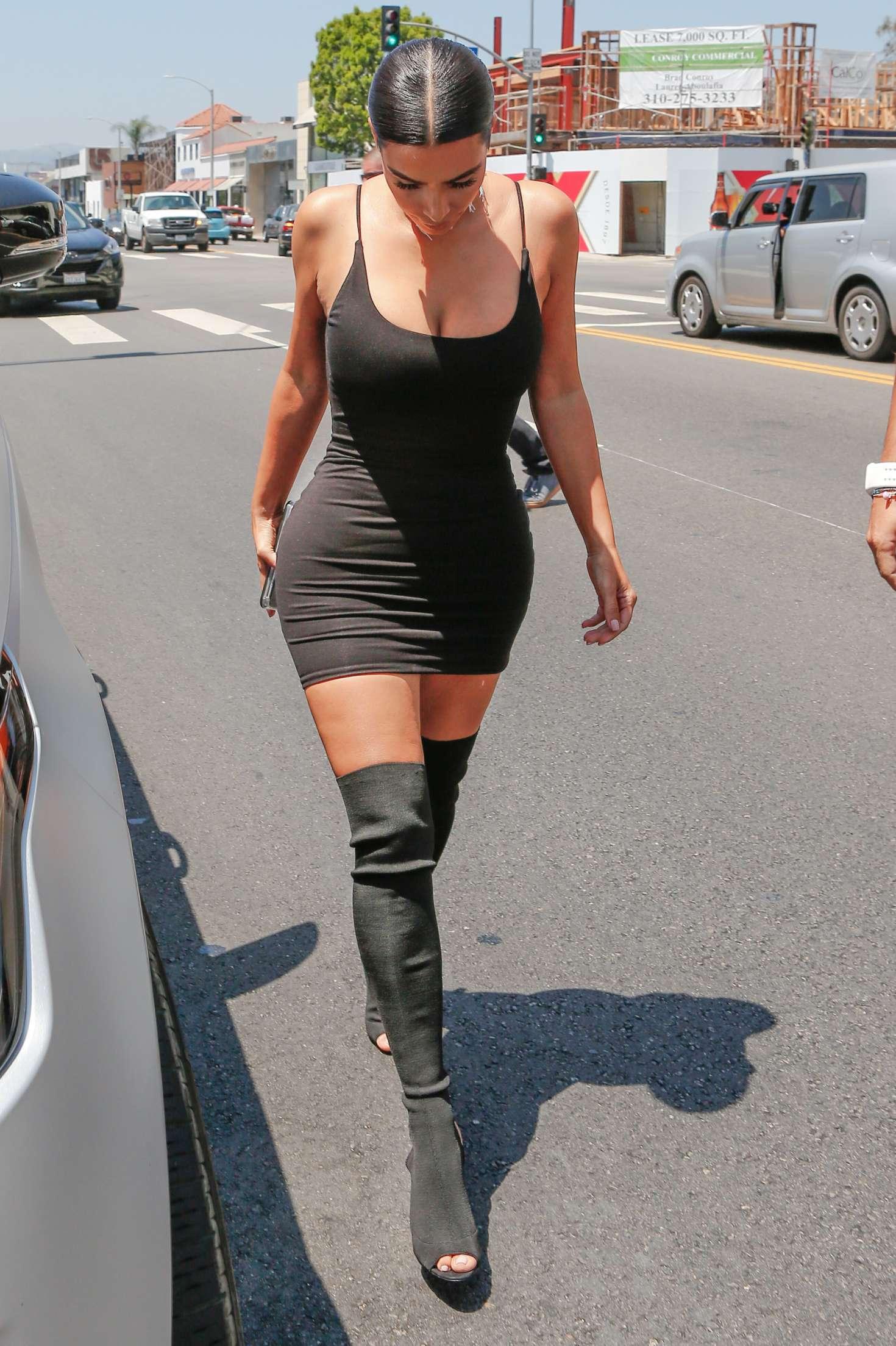 Kim Kardashian In Short Black Dress 33 Gotceleb