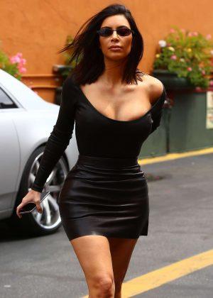 Kim Kardashian in Short Skirt Arrives to Filming KUWTK in Studio City