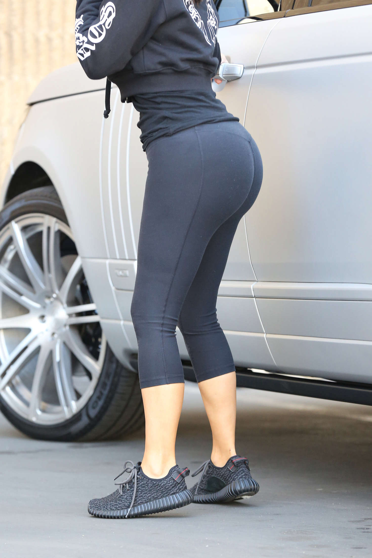 Kim Kardashian In Spandex At Epione 04 Gotceleb