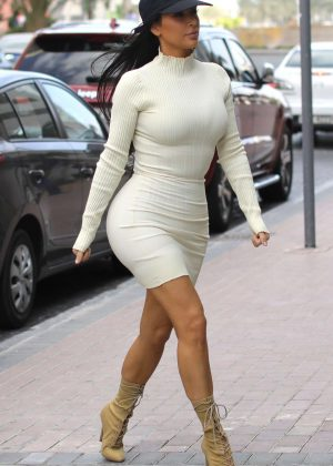 Kim Kardashian in Tight Dress at The Atlantis hotel in Dubai