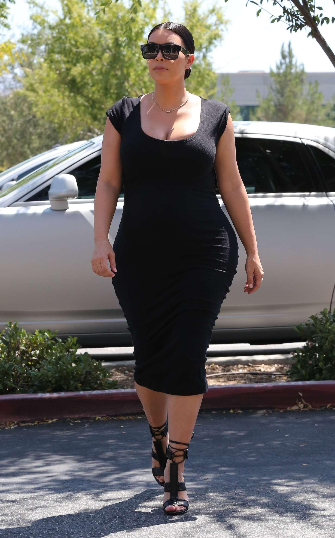 Variant, kim kardashian tight dress apologise
