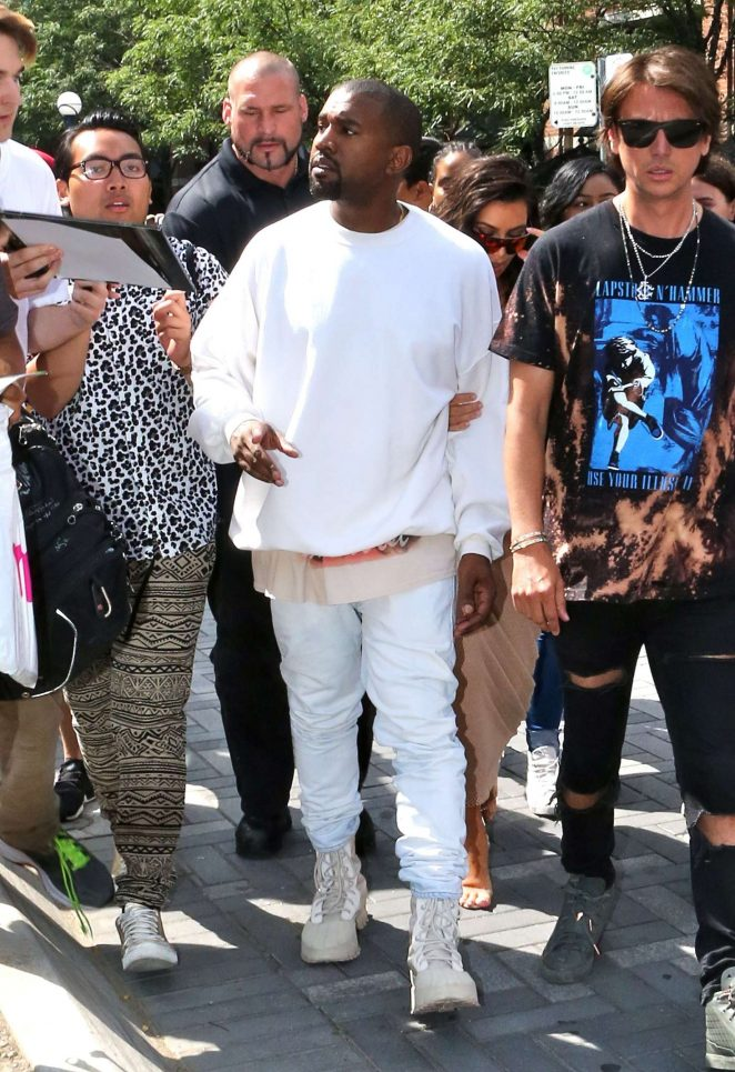 Kim Kardashian 2016 : Kim Kardashian in Tight Dress -07