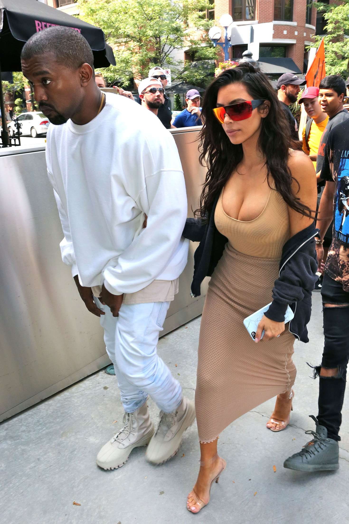 Kim Kardashian 2016 : Kim Kardashian in Tight Dress -15