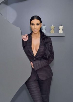 Kim Kardashian - KKW Beauty Pop Up Shop in Costa Mesa