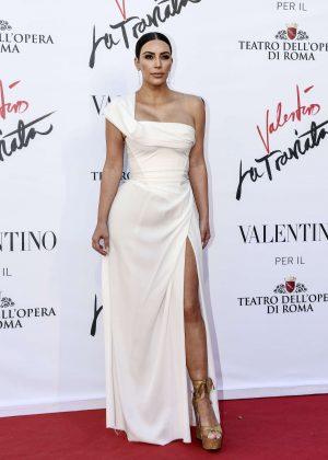 Kim Kardashian - 'La Traviata' Premiere in Rome